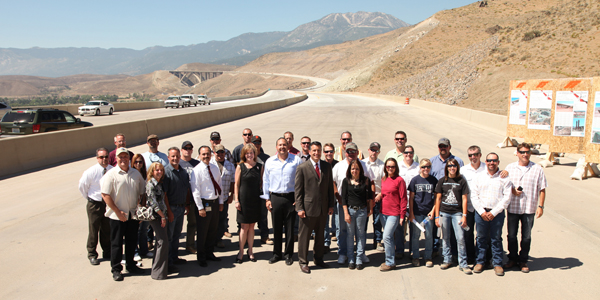 Governor and the I-580 project team.