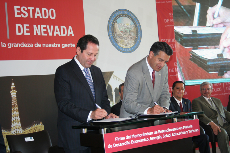 Governor Signs MOU With Governor of Mexico