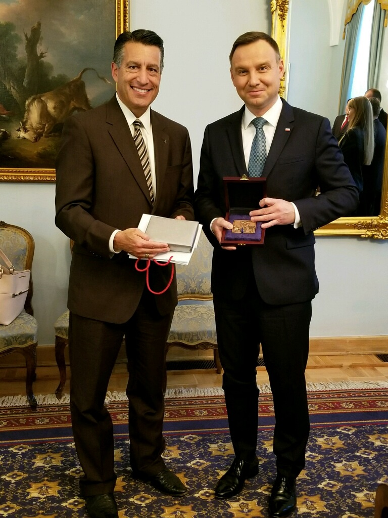 Nevada Governor Brian Sandoval and Polish President Andrzej Duda